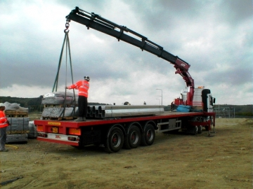 40ft Trailers - We Operate A Fleet Of Standard 40ft  Trailers For Use With Our Hiab Hire Vehicles
